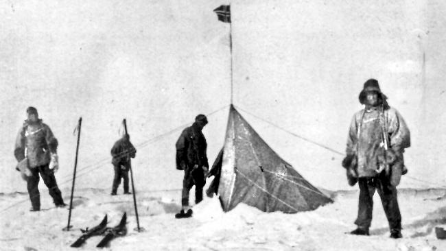 a comparison of amundsens and scotts expeditions to antarctica A british national named robert scott was planning his own expedition to the south pole and was also underway the resulting competition would be one for the record books it was riddled with controversy at first, as both scott and some of amundsen's crew felt misled, but eventually, it turned into a battle for glory.